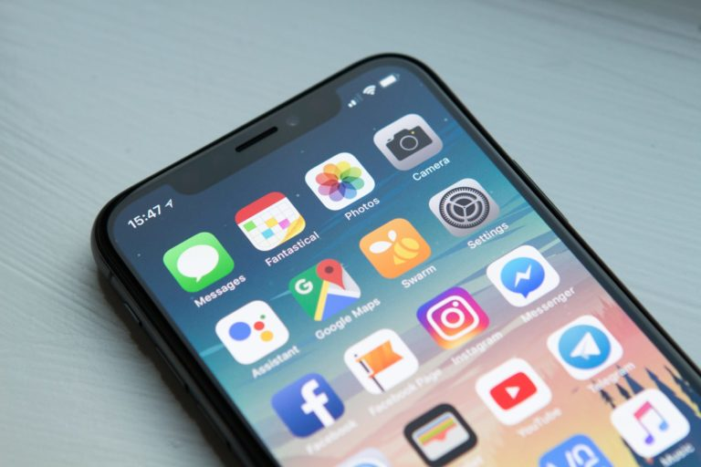 Speed Up Your Phone by Deleting Some Apps