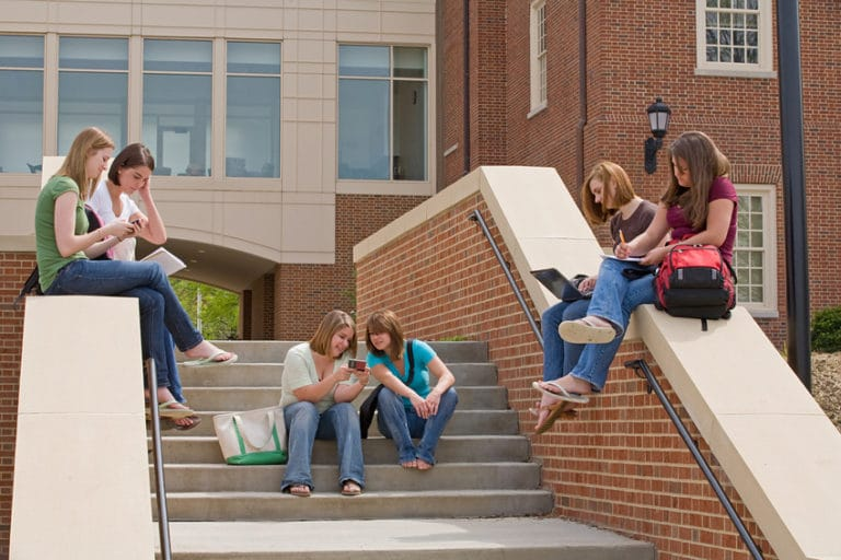 10 Must Have Apps for College Students