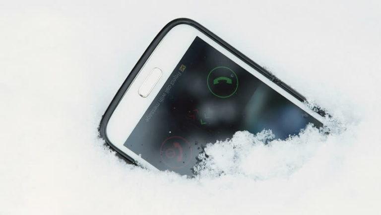 How Cold Weather Impacts Your Mobile Phone